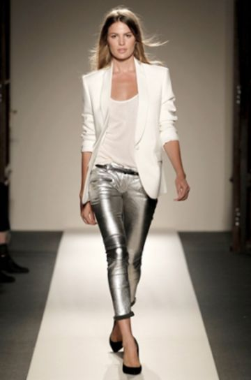 Come vestirsi a Capodanno 2016: tendenze metallizate