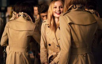 Come indossare il trench donna