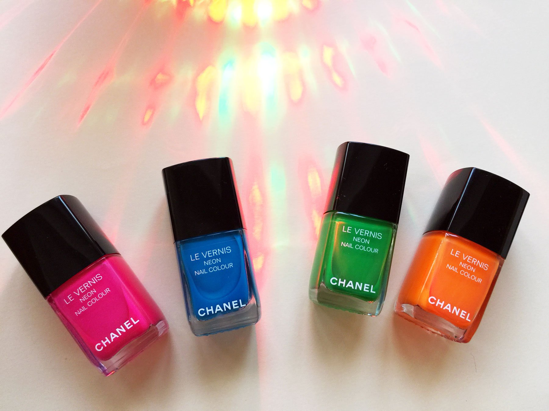 La collezione Smalti Chanel Neon Wave Collection