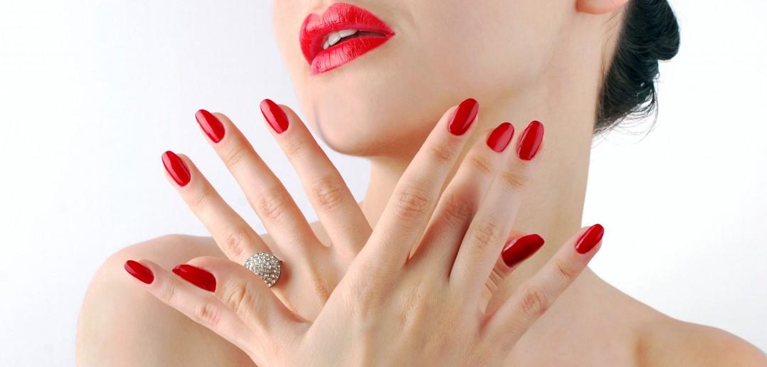 Smalto semipermanente per unghie perfette - Unghie gel specchio ...