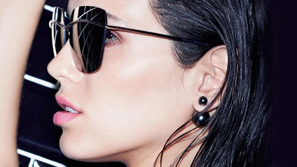 reputazione prima prezzo più basso con prezzo minimo Gli orecchini Dior con la doppia perla