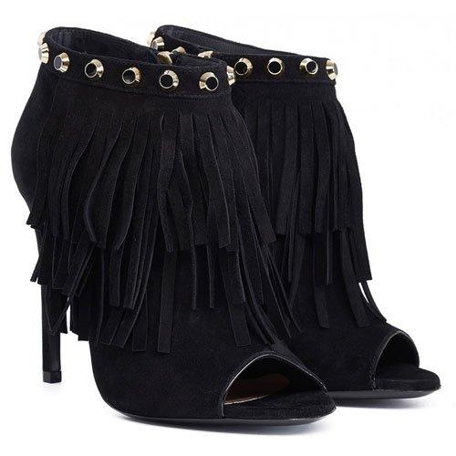 Tendenza frange per le scarpe