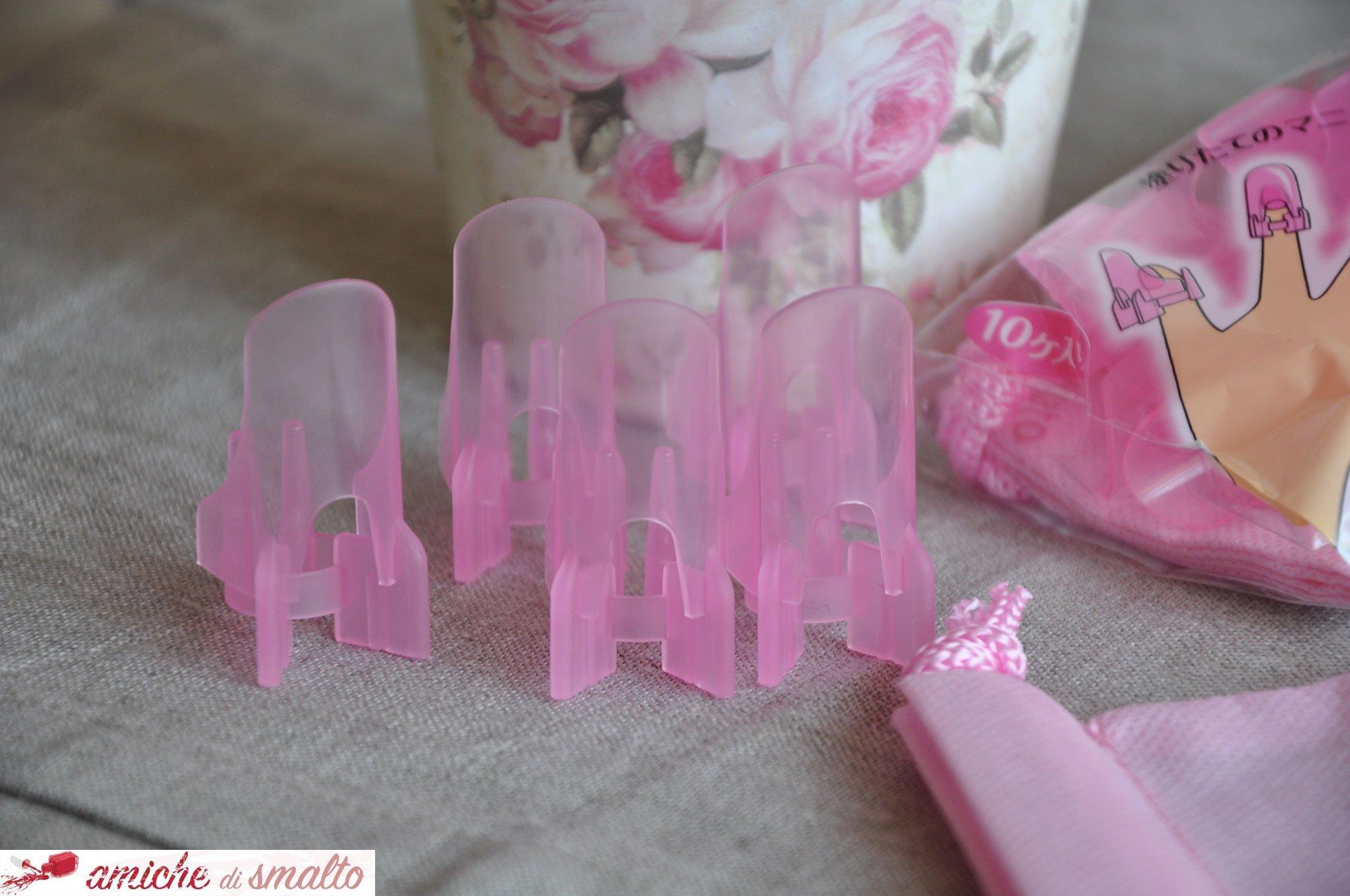 Foto dei dettaglio dei proteggi unghie