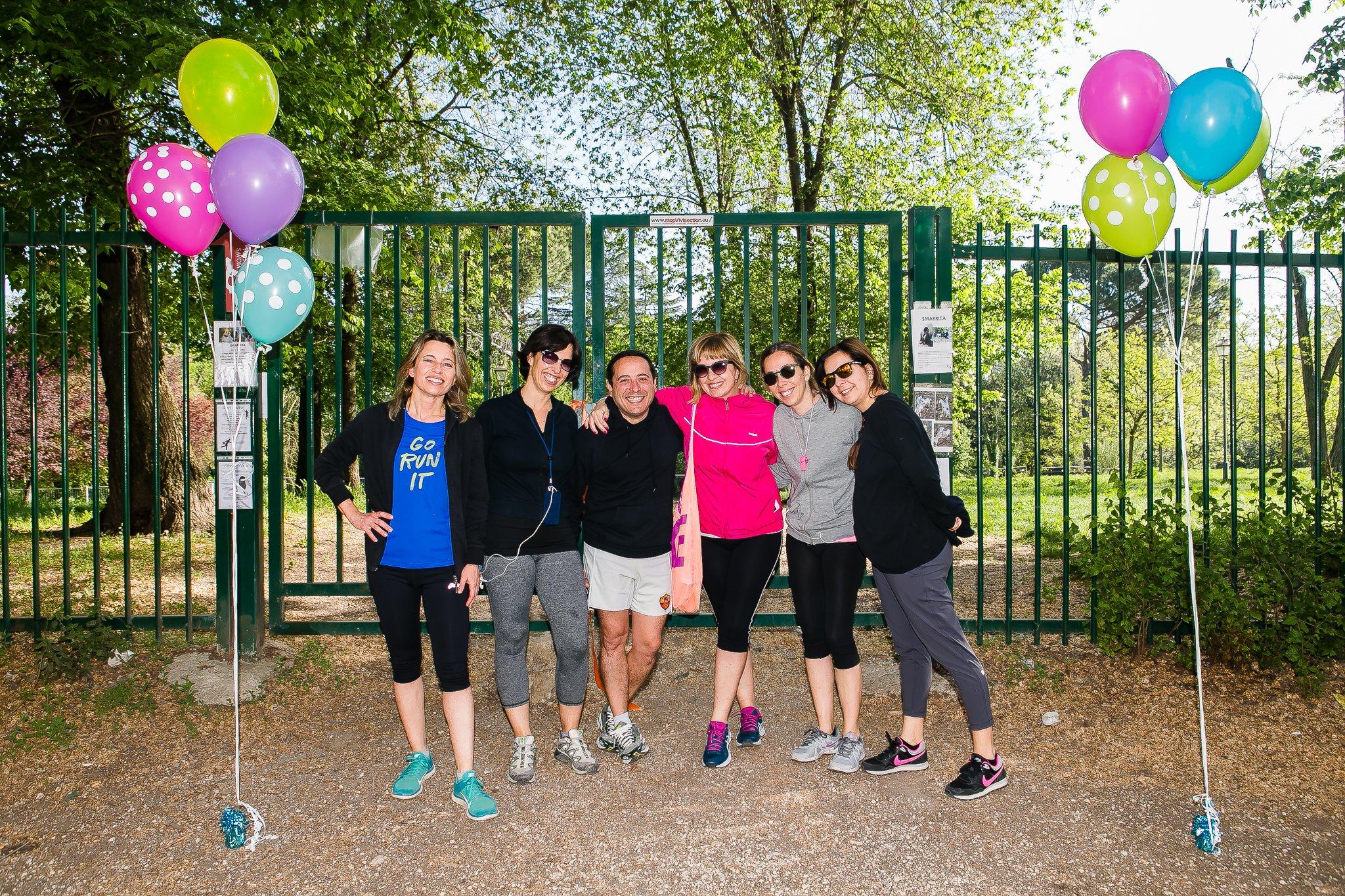Foto delle amiche di smalto a Villa Ada