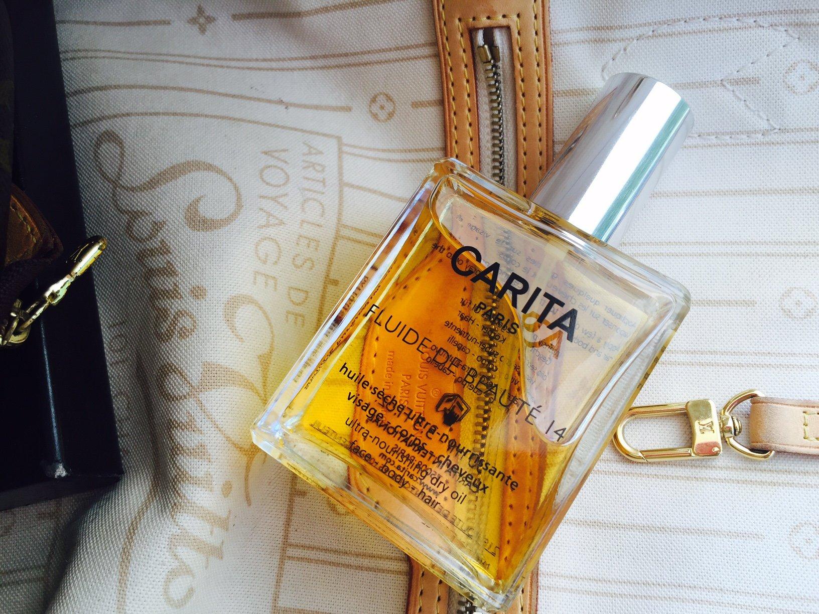 Foto del fluido di bellezza di Carita Paris