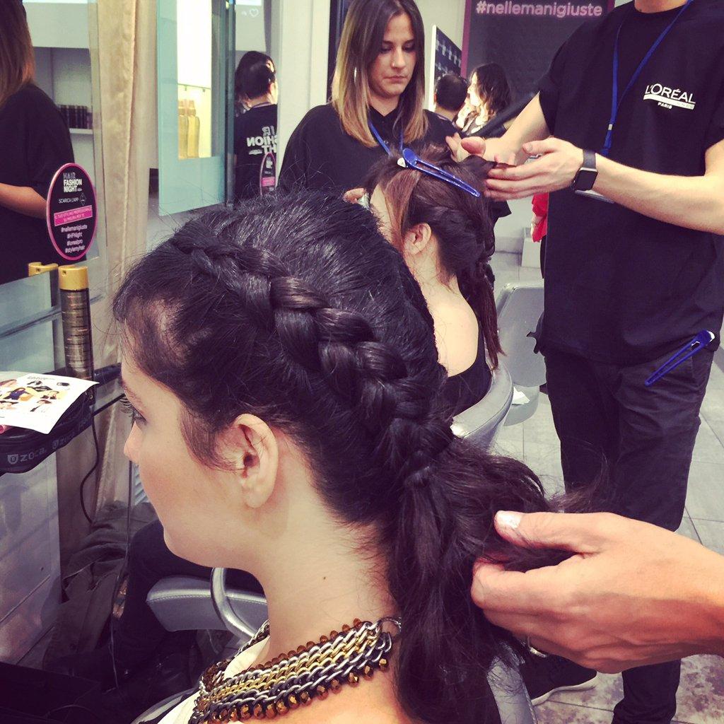 Acconciatura con trecce della Hair fashion Night
