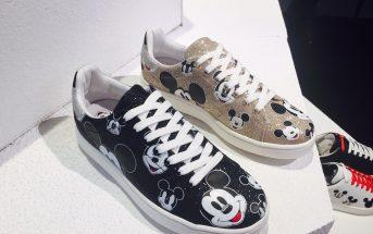 foto delle sneakers Moa con Topolino