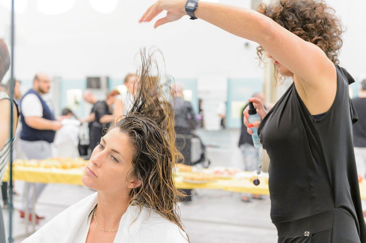 Foto dei capelli lunghi con i prodotti Redken