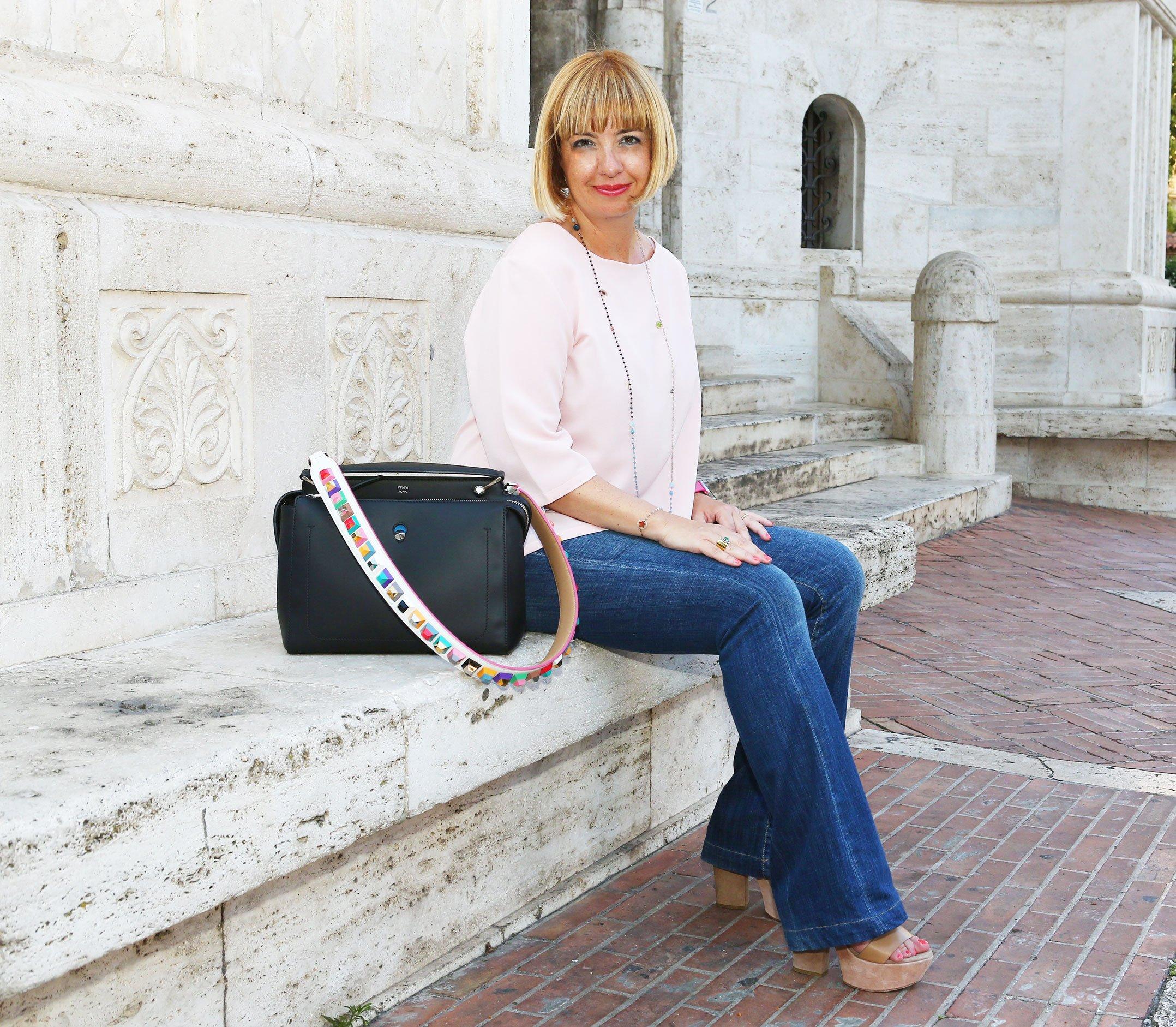 Claudia con la borsa Fendi DotCom