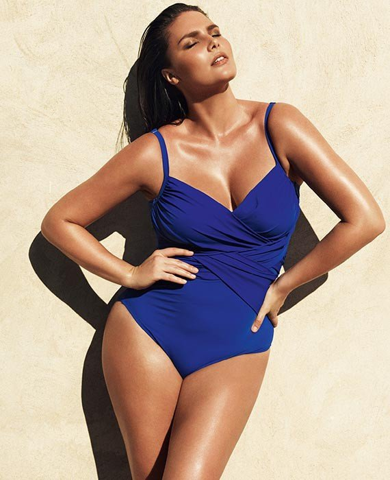 Foto di una modella con il costume da bagno