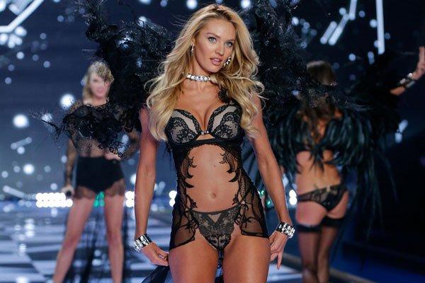 Foto di una modella di Victoria's Secret