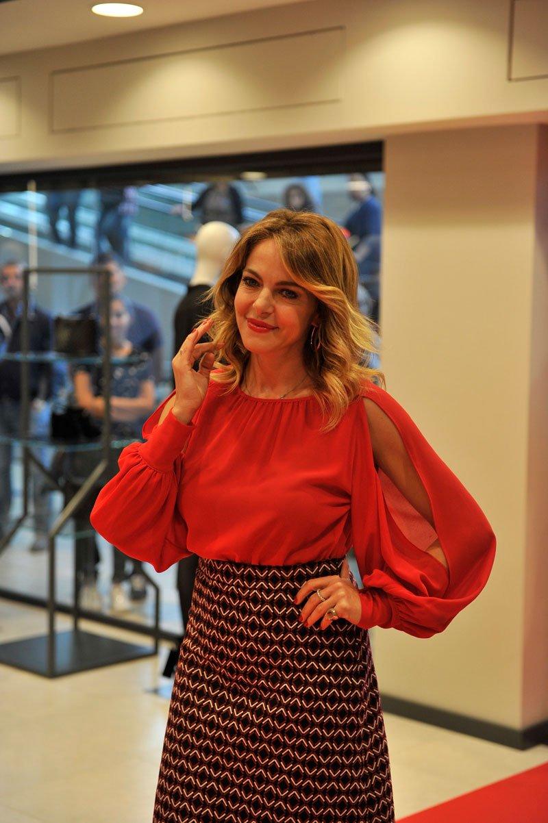 Claudia Gerini è la nuova testimonial di Sandro Ferrone
