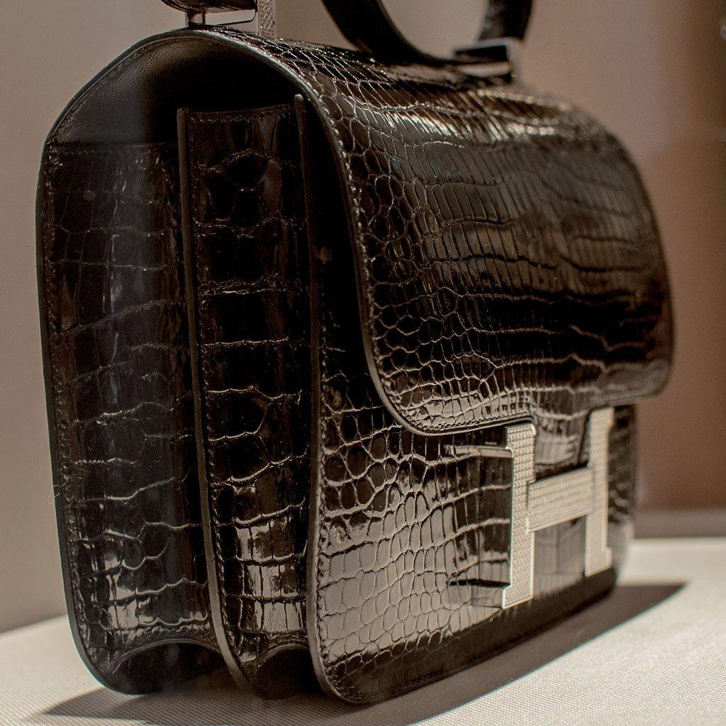 la borsa Constance di Hermès in coccodrillo