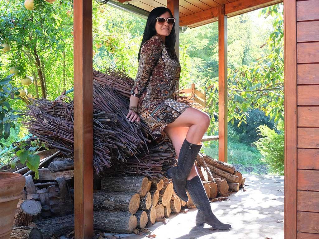Stivali texani con outfit urbano