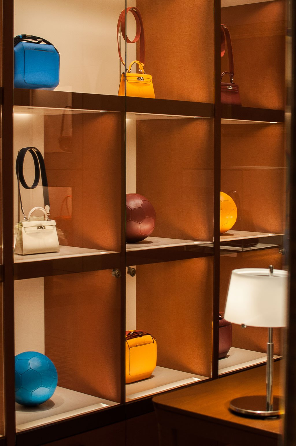 All'interno della boutique di Hermès a Roma