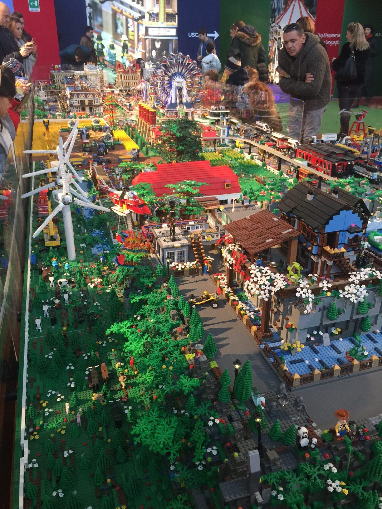 La mostra LegoCity con i bambini