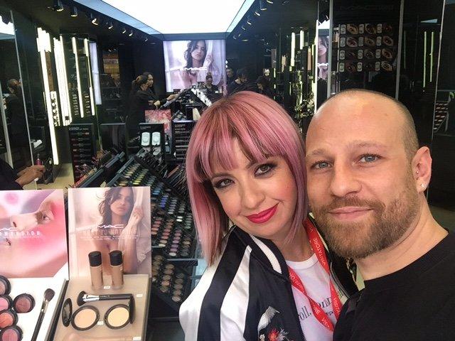 Make up con i capelli rosa