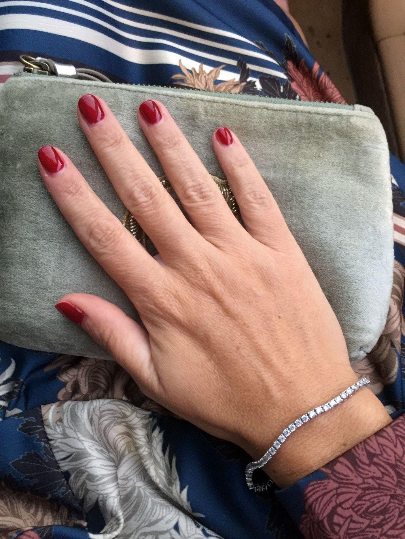 La manicure con gli smalti semipermanenti di Ebrand