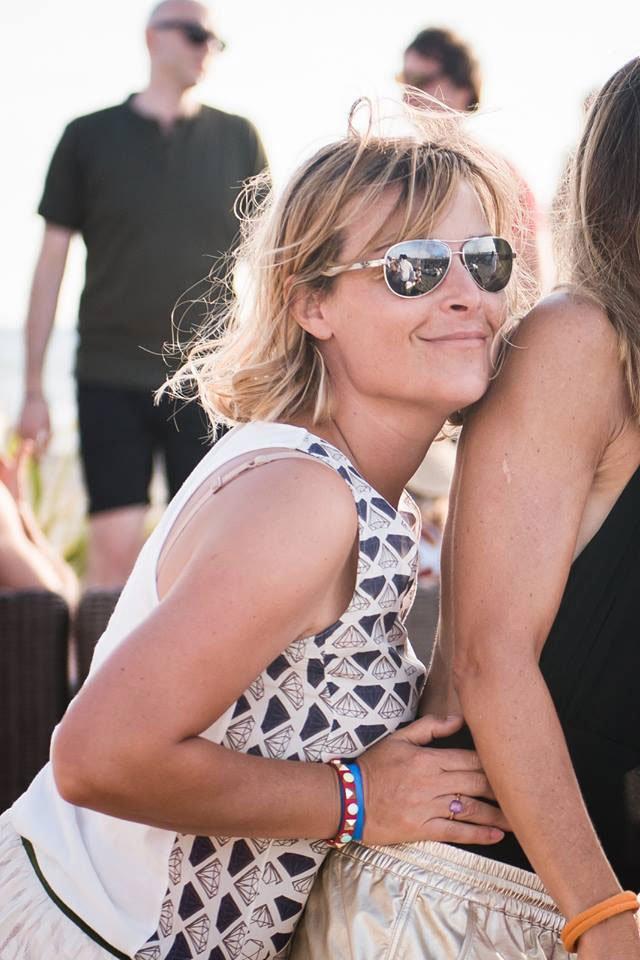 Look festa in spiaggia: gli occhiali da sole