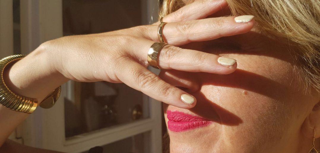 Come realizzare le unghie effetto specchio