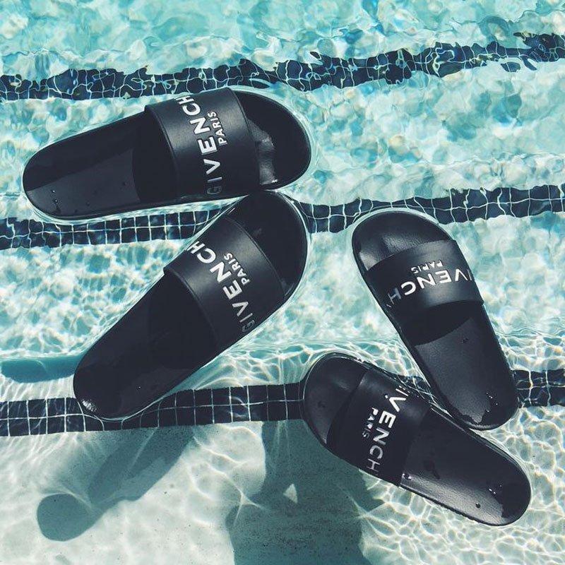Ciabatte da piscina Givenchy