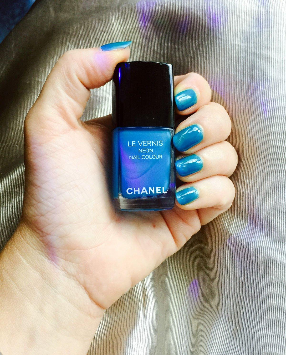 Smalti Chanel Neon Wave Collection