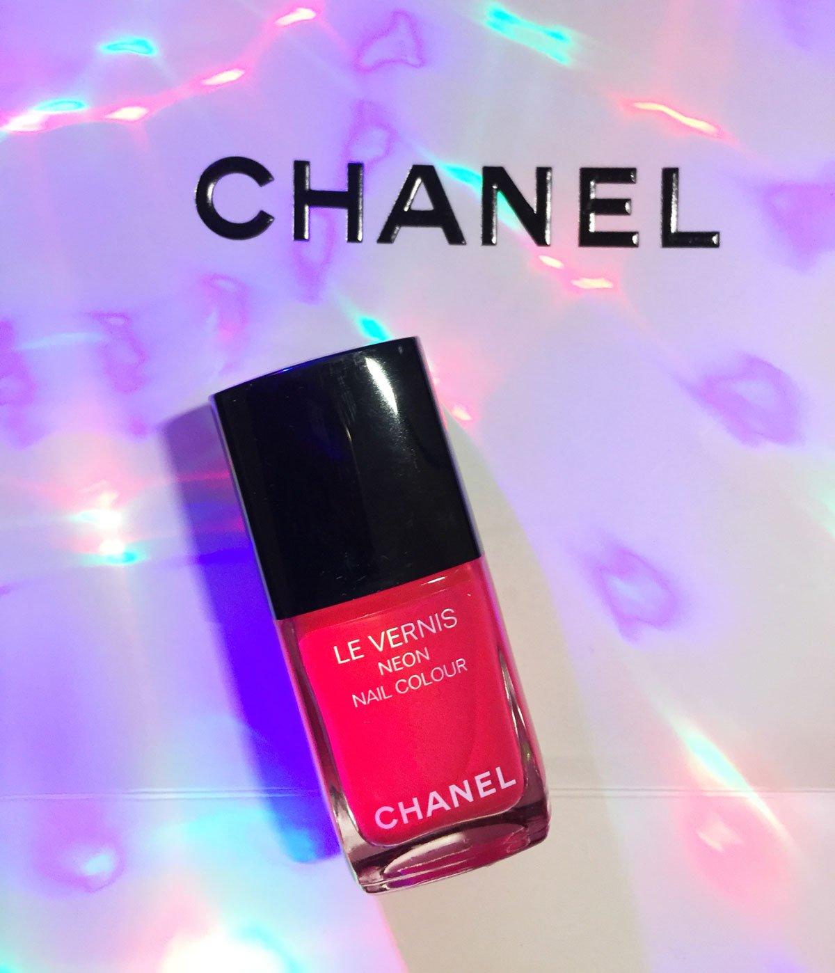 La collezione di Smalti Chanel Neon Wave