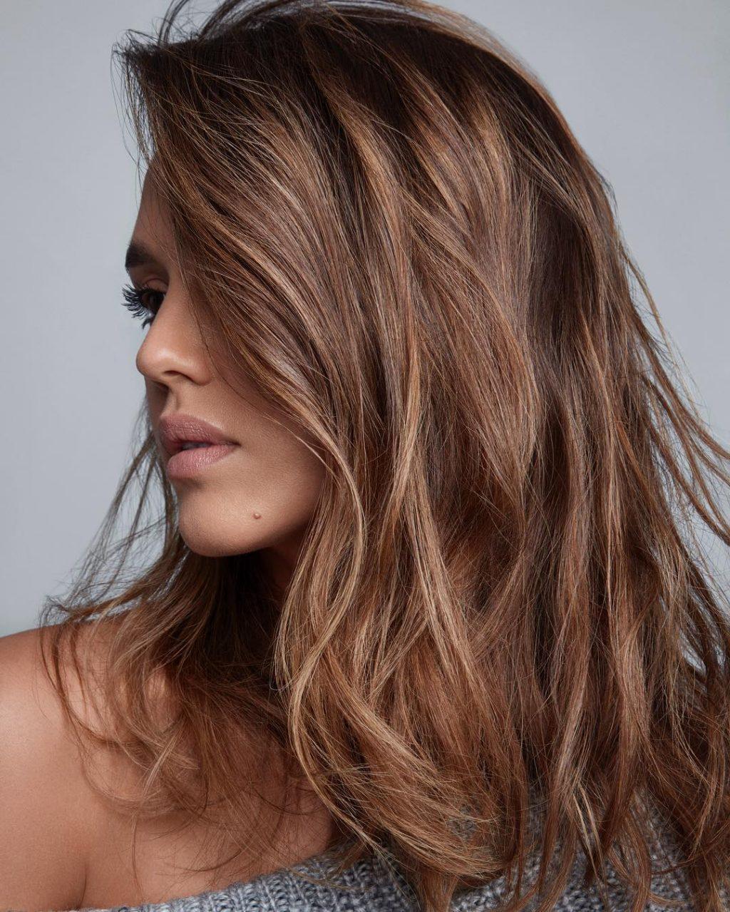 Colore Capelli 2018  le Tonalità più Belle e le Tendenze dell Hair ... 4c6ff7de7090