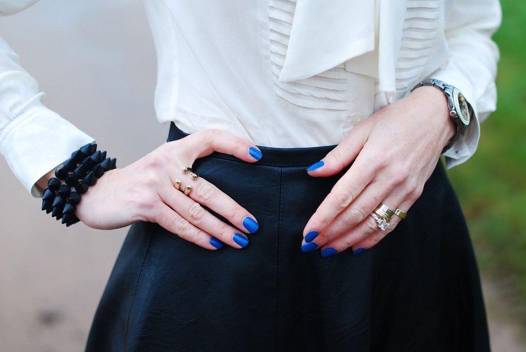 Come Abbinare Lo Smalto Ai Vestiti E Agli Accessori Per Un Outfit