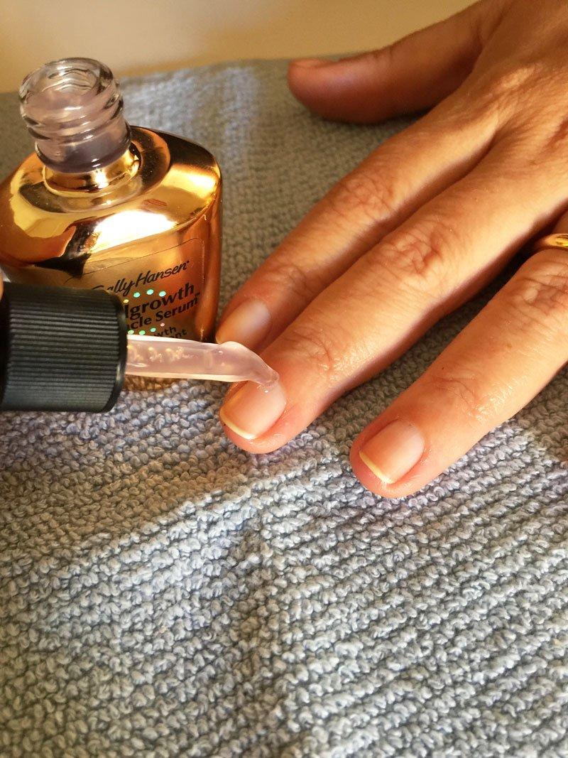 Siero di Sally hansen per unghie curate