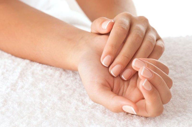 Come avere mani perfette: la cura delle unghie
