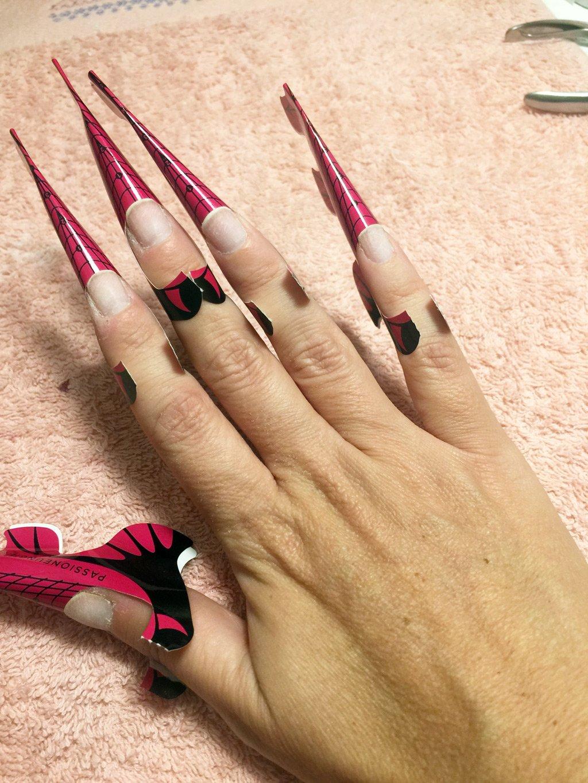 Passo per passo la ricostruzione delle unghie
