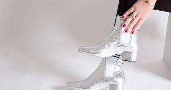Silver Look: stivaletti argento Fendi