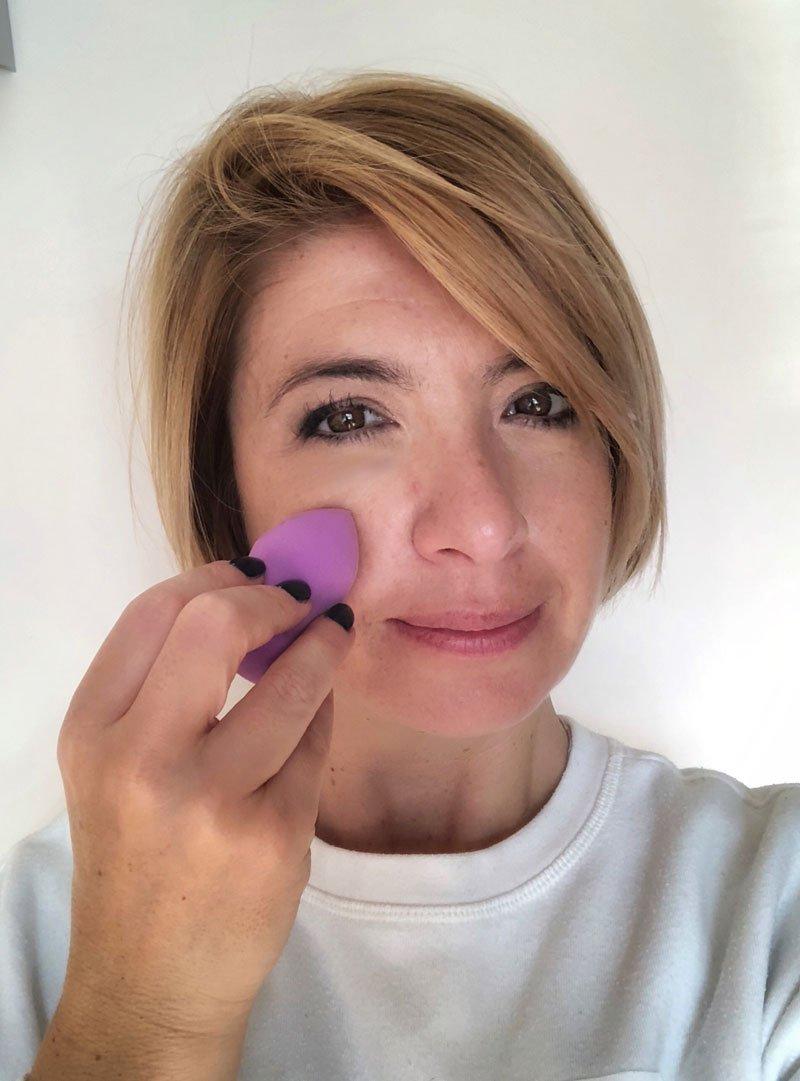 Come applicare il fondotinta con le spugnettep er il make up