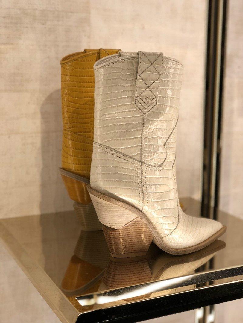 Stivali texani di Fendi