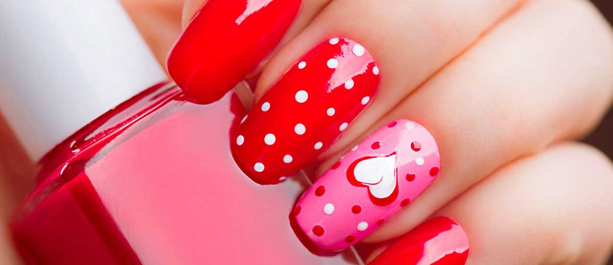 Nail Art San Valentino: idee per una manicure romantica
