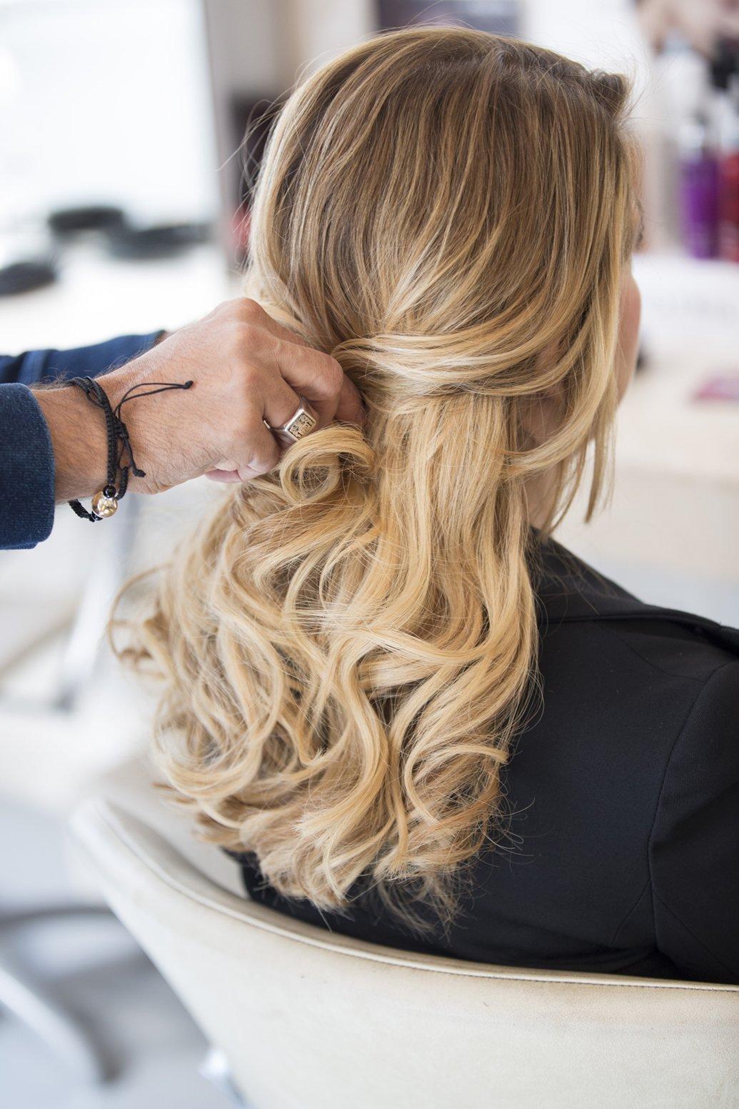 Come legare i capelli con le extensions