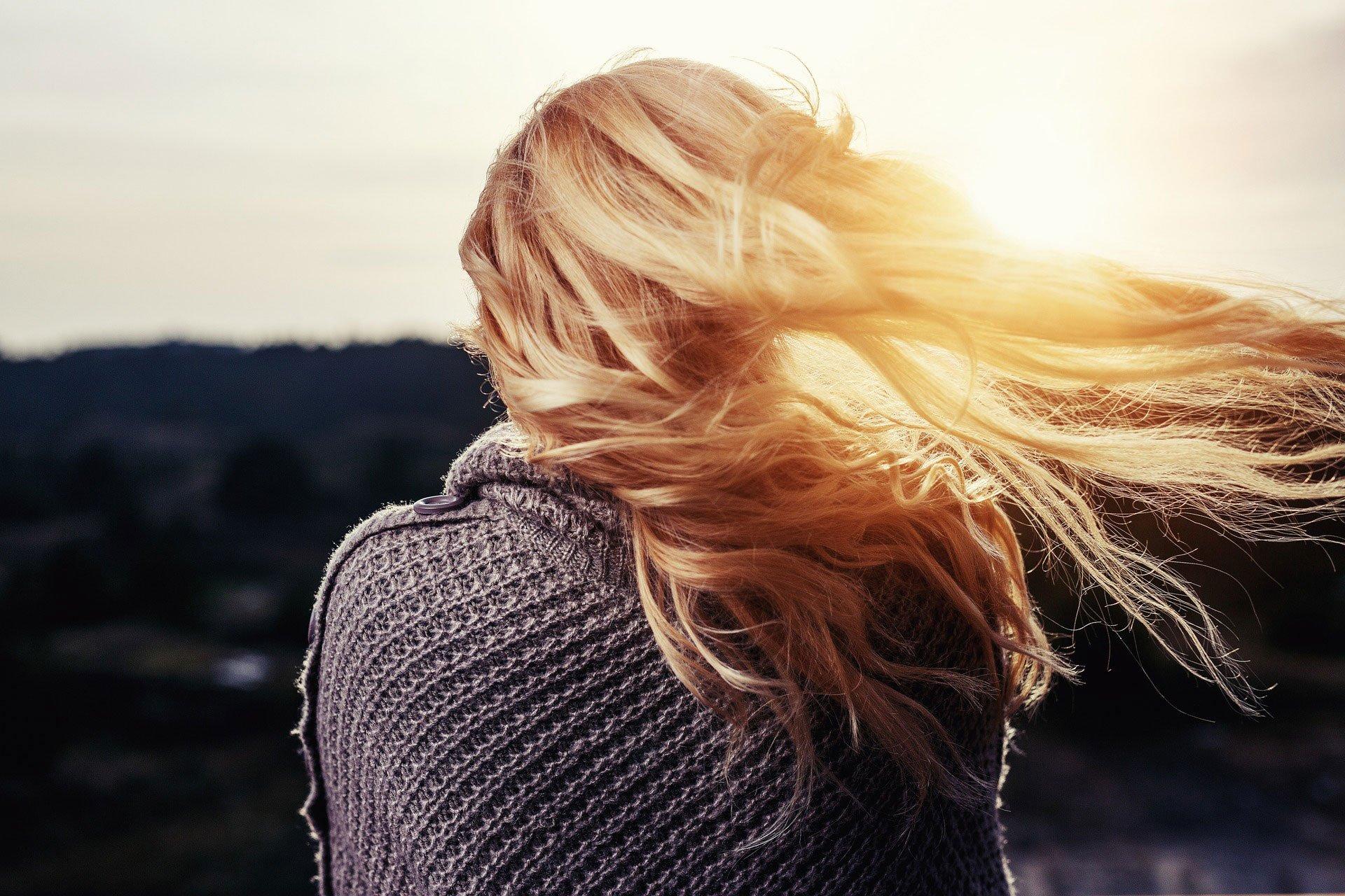 Come Tingere i capelli a casa: consigli e piccole regole da seguire