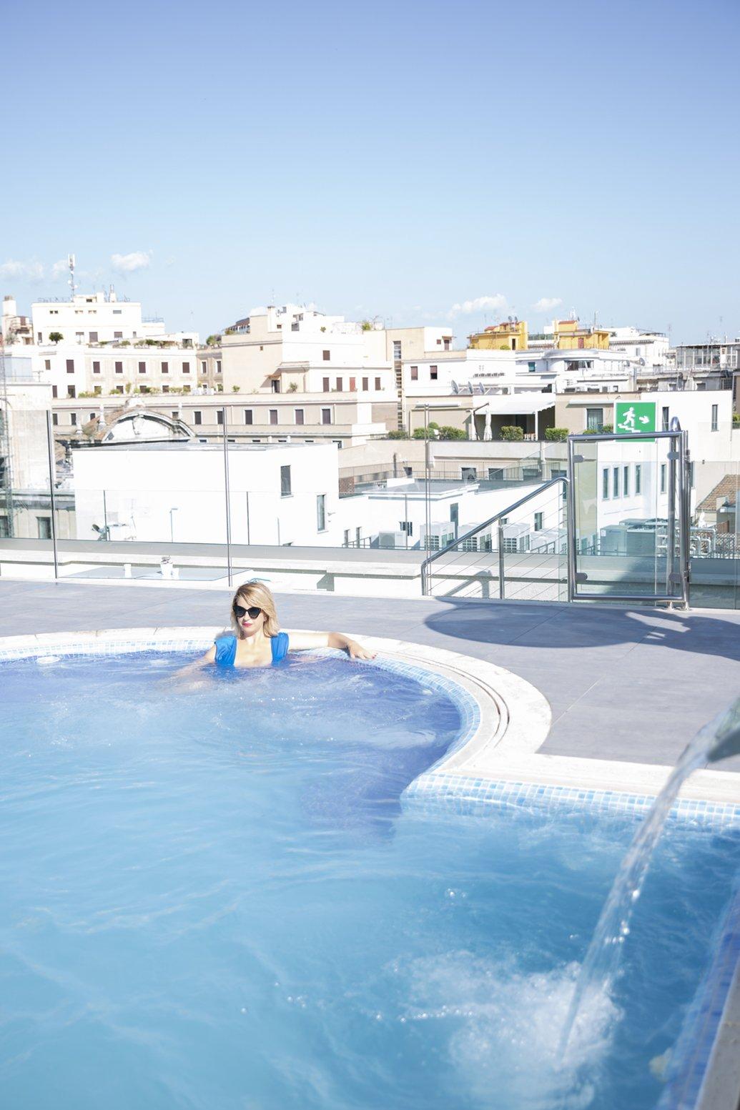 La piscina dell'Hotel Aleph