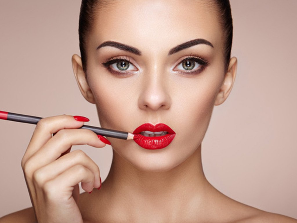 foto Tendenze make up rossetto 2019