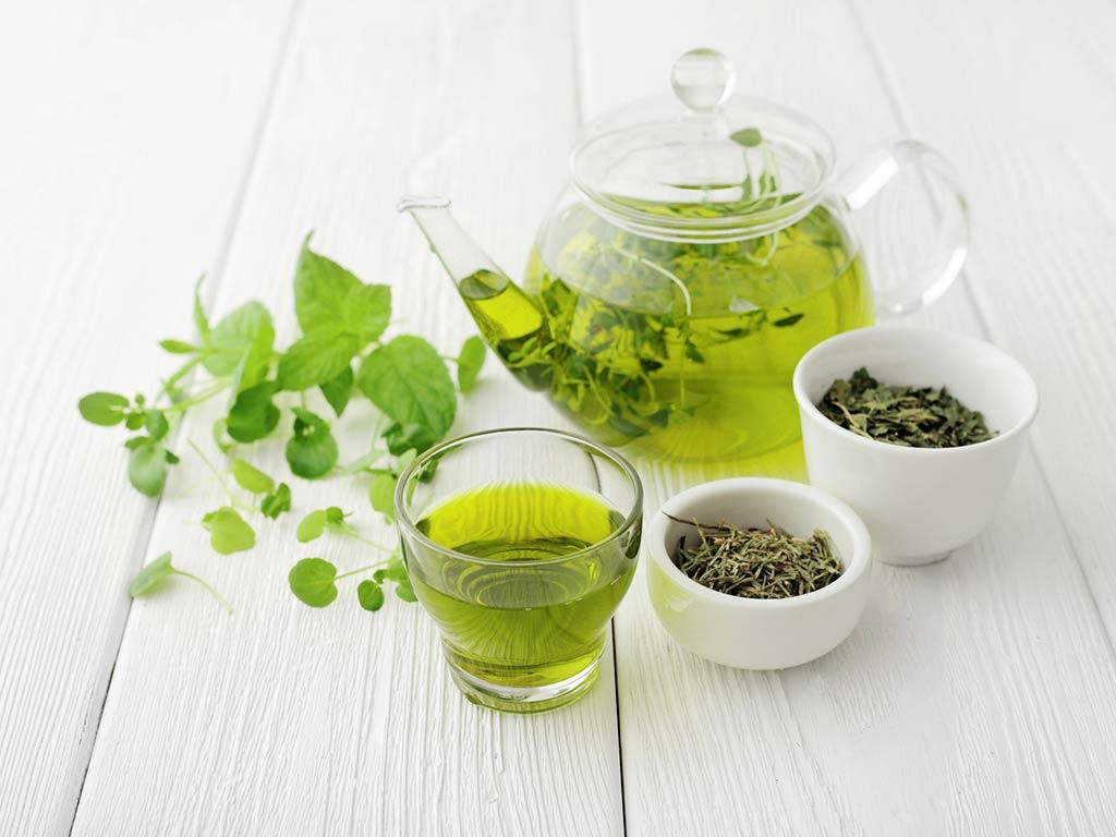 Borse e occhiaie: maschere viso al tè verde