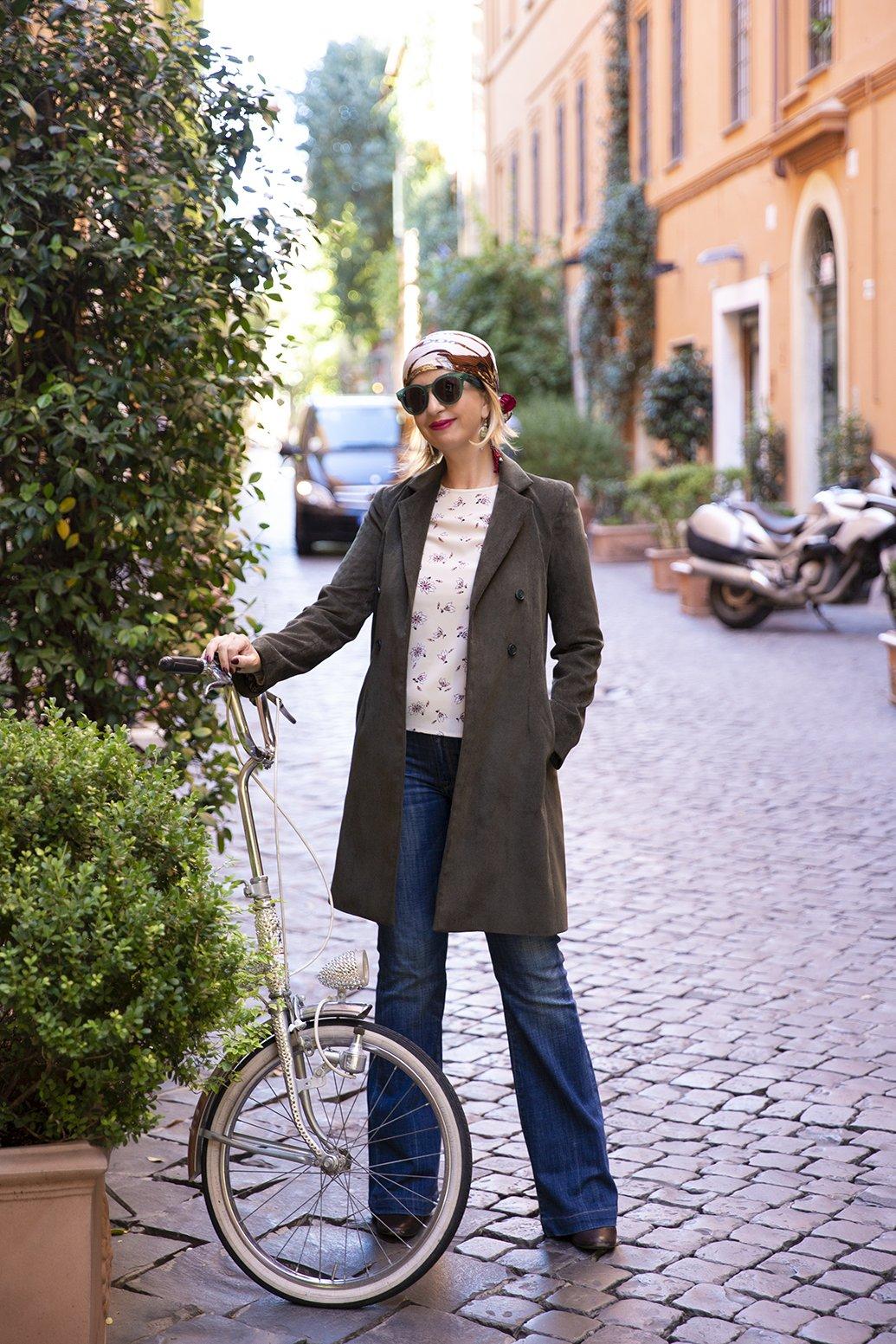 Foto della giacca di velluto di Serena Davini