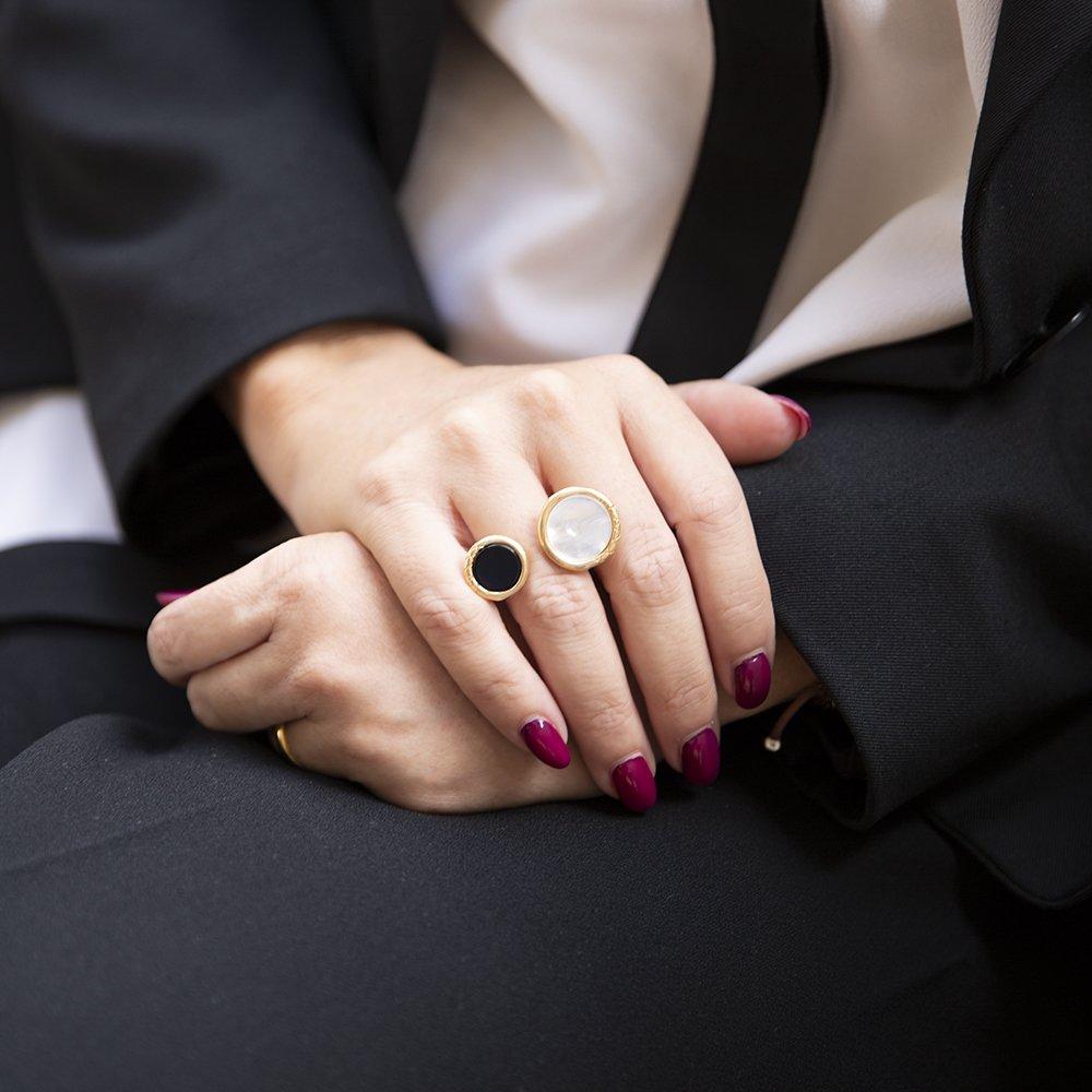 Foto anello ouroboro di Giulia Barela
