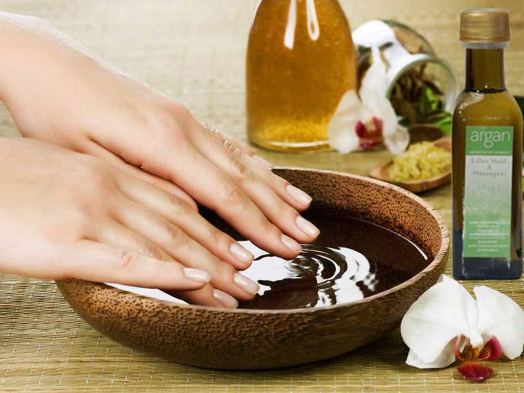 foto unghie danneggiate: olio d'argan