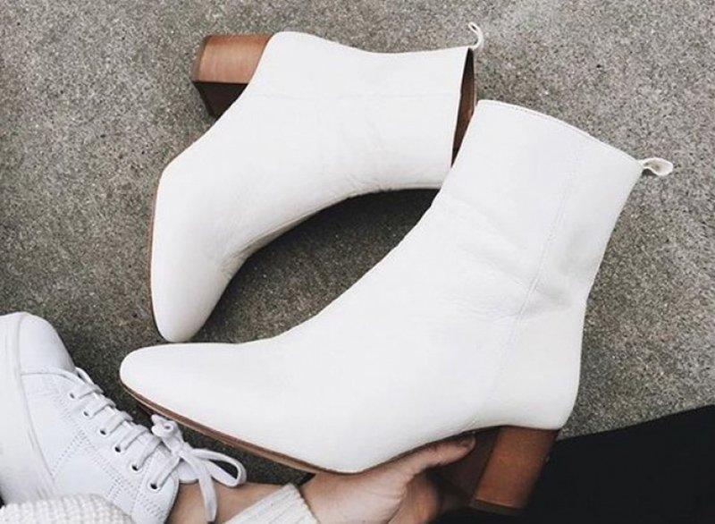 Foto di stivali bianchi
