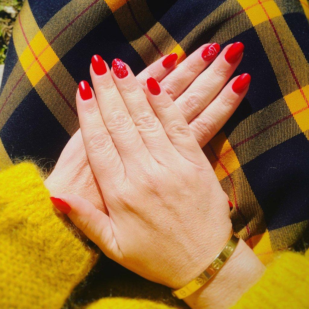 foto di unghie natalizie