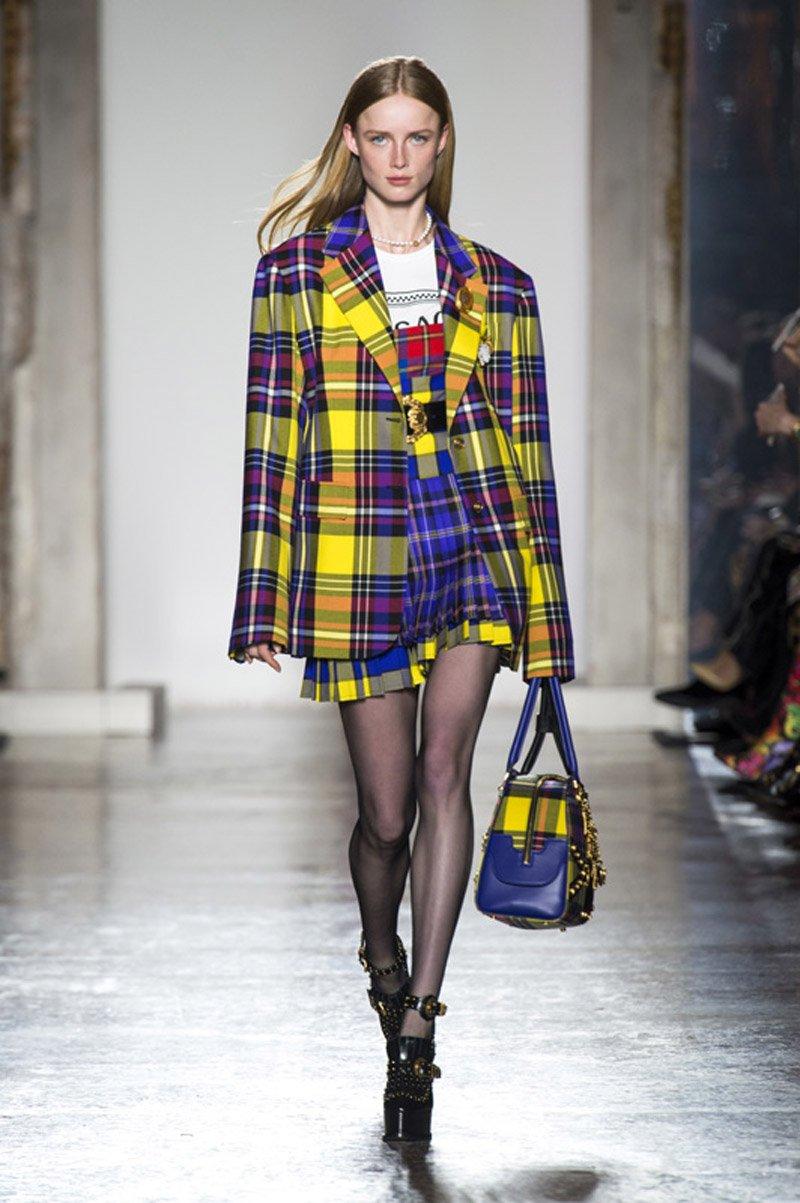 Tartan mania per Versace