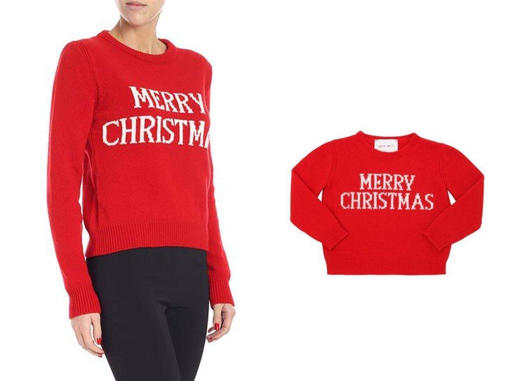 Immagine di maglione rosso con scritta Merry Christmas in bianco