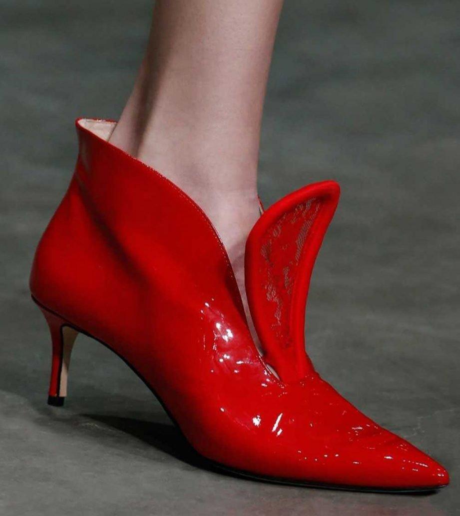 Immagine di scarpe rosse con tacco basso