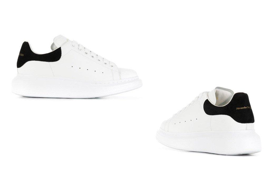 Foto delle sneakers McQueen bianche e nere